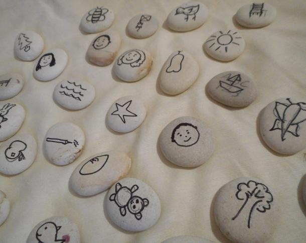 B&W Story Stones